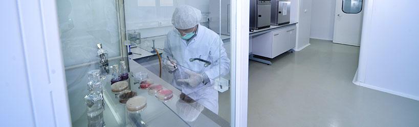 Caracterización de salas limpias, cabinas de seguridad biológica, cabinas de flujo laminar y vitrinas de extracción de gases